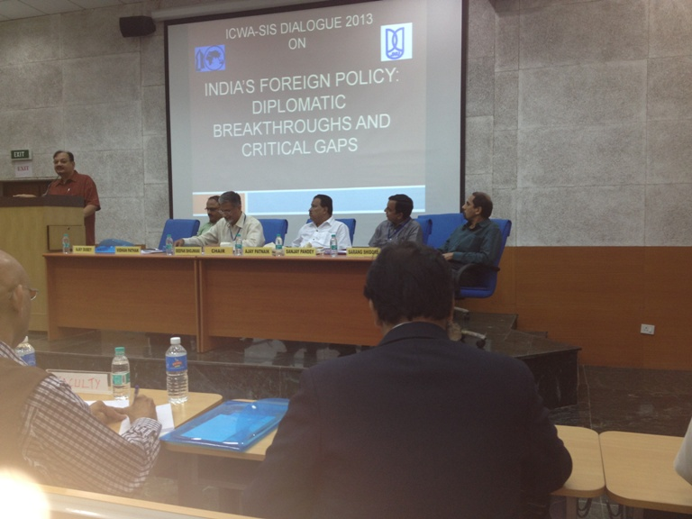 Seminar-JNU-ICWA-Panel-on-Sunshine-Regions-9-October-2013-photo
